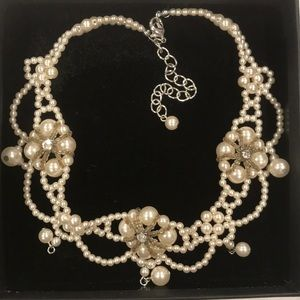 Hand Made faux pearls choker necklace